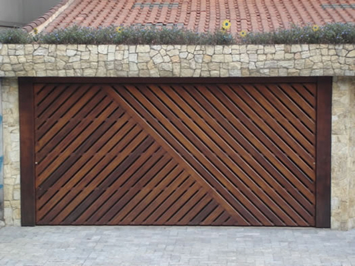 Custom Wood Garage Door Brazil